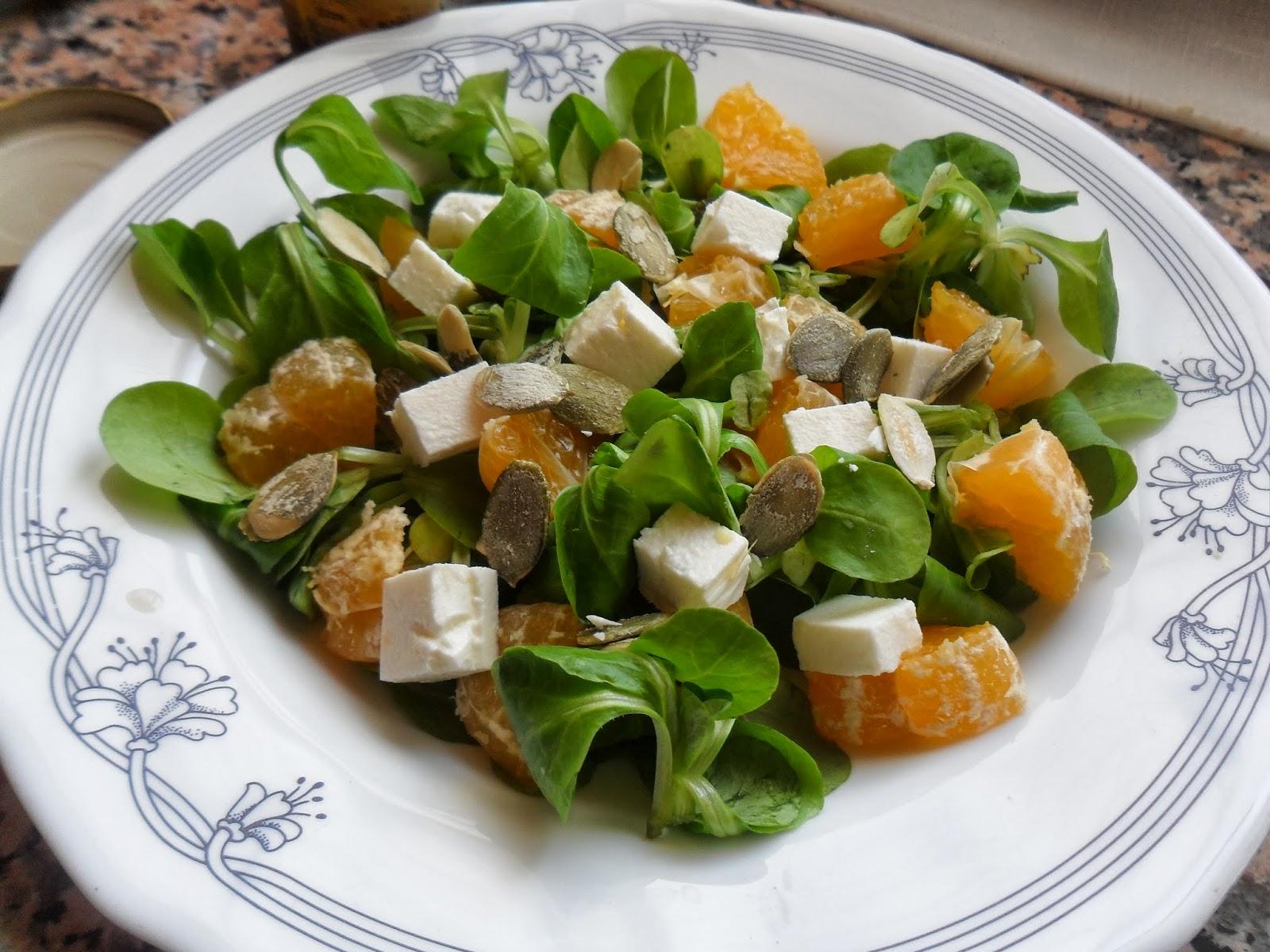 Rececatas ensalada de canonigos queso feta mandarinas y - Ensaladas con canonigos ...