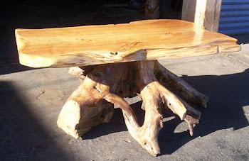 mesa ratona con raiz