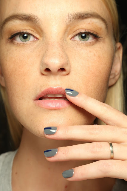 striped nail, nail fashion 2015, grey navy nails,