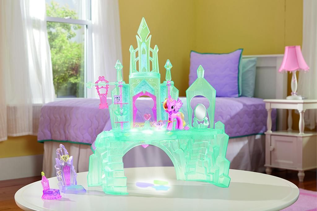 Spoiler Crystal Empire Playset And Cadance Shining Baby