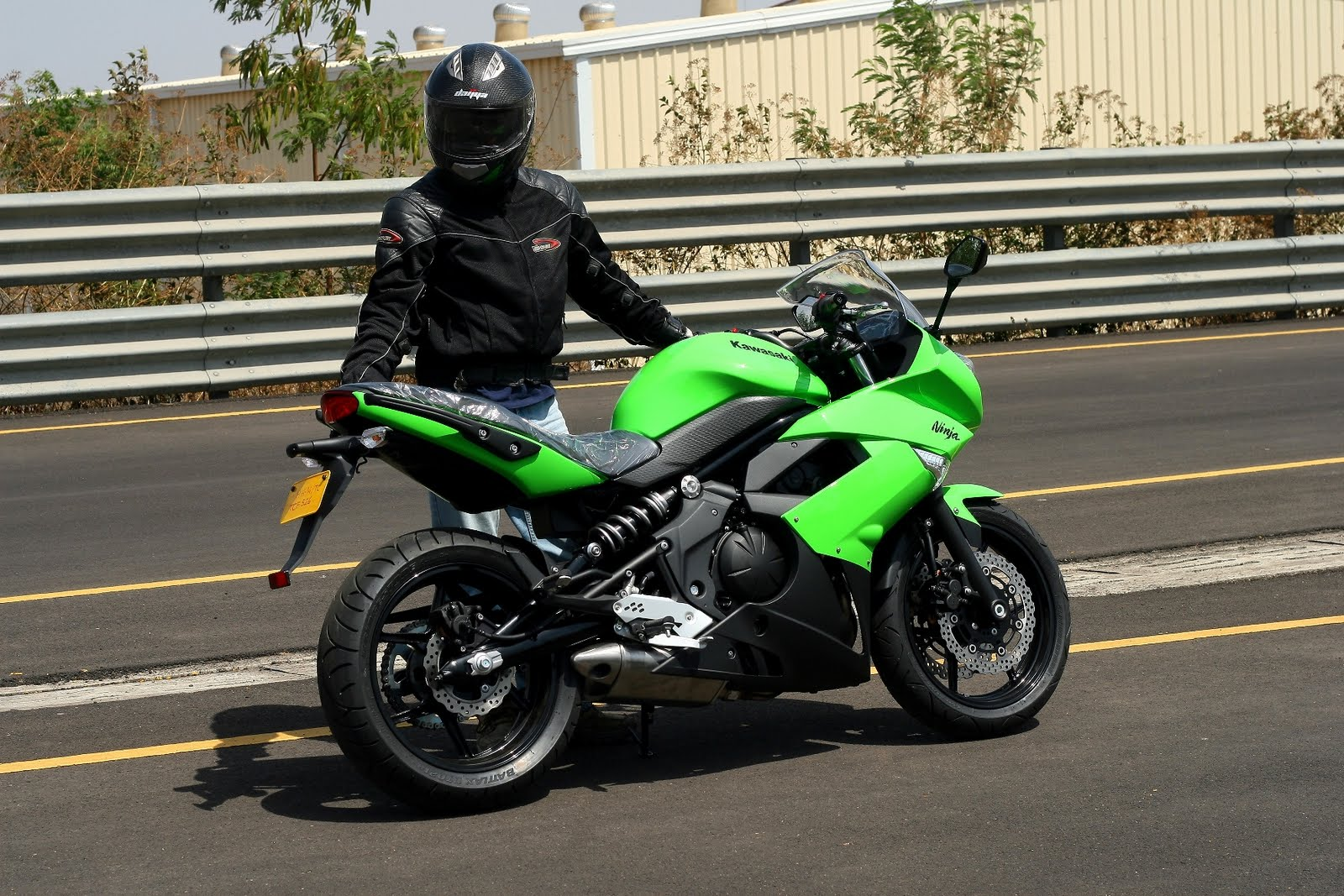 Photos of the 2011 Kawasaki Ninja 650R (India) | Bike Chronicles of ...