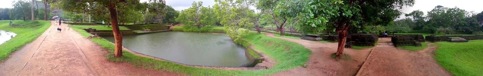 Сигирия Водяные Сады, Шри-Ланка, фото панорама высокого качества, дорога, водоемы, террасы