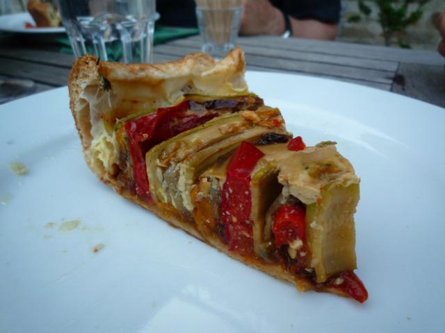 Bolli's Kitchen: Carte postale gourmande 2: tarte aux légumes - Ferienpostkarte 2: Gemüsetarte