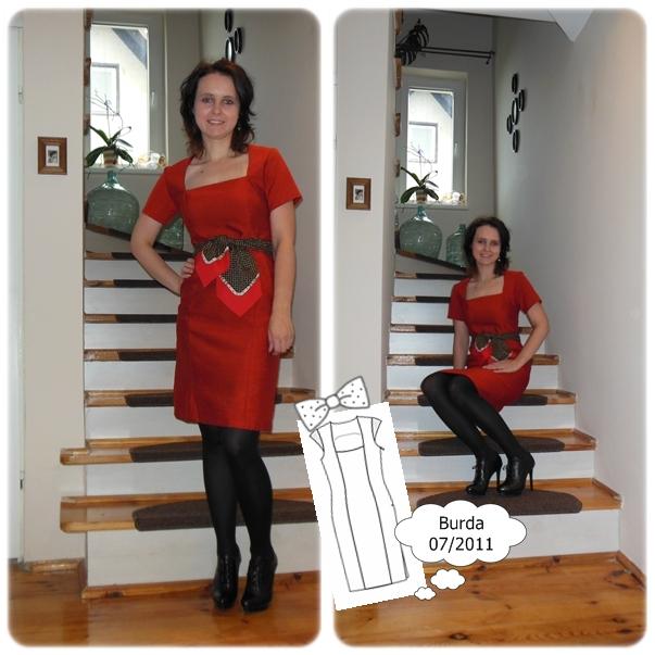 Prosta sukienka z dekoltem w karo