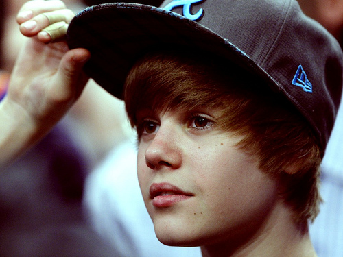 justin bieber hat on. Justin Bieber Black Eyeglass