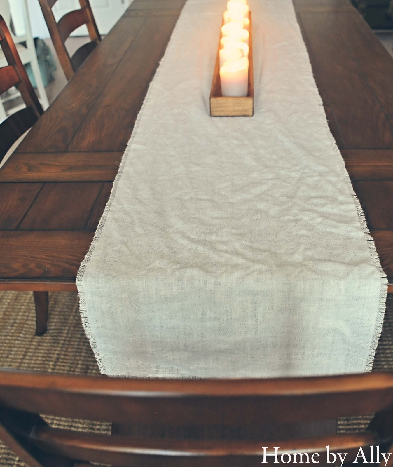 Diy no sew burlap table runner home by ally for Easy diy table runner