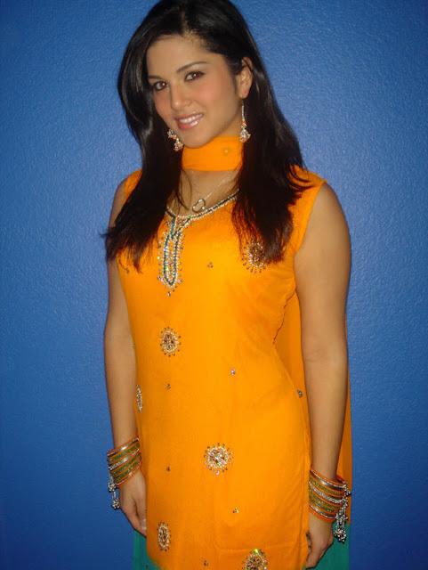 Beautiful Sunny Leone in Salwar Kameez