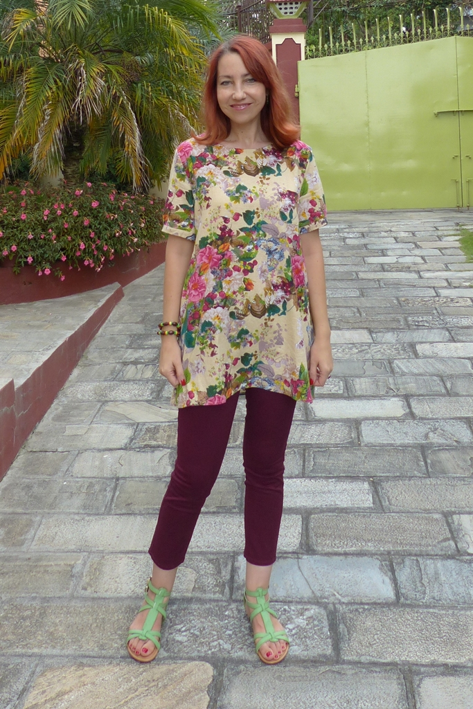 Casual wear: flowers and berries tunic with ankle length skinnies