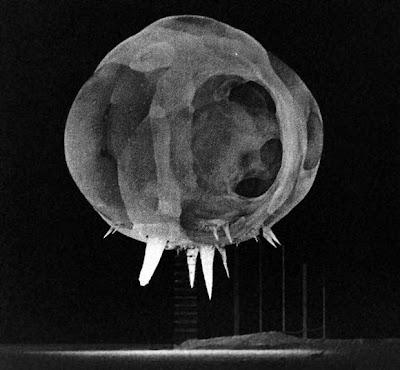 explosion bomba nuclear a poco de estallar