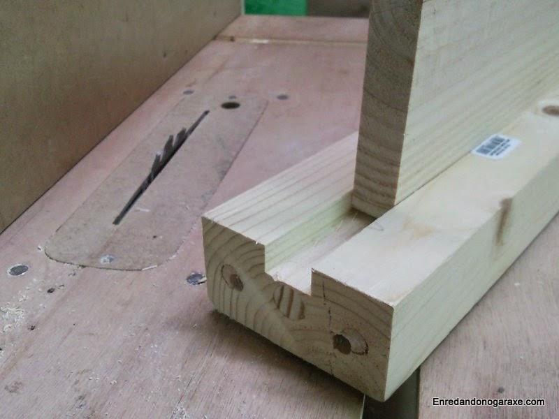 Ranura tipo dado para la tabla de la viga de madera. Enredandonogaraxe.com