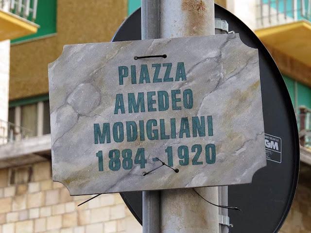 Cartello Piazza Amedeo Modigliani, piazza Attias, Livorno