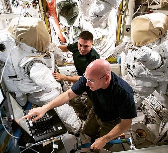 هل تحب العمل  رائدا للفضاء فى وكالة ناسا ؟