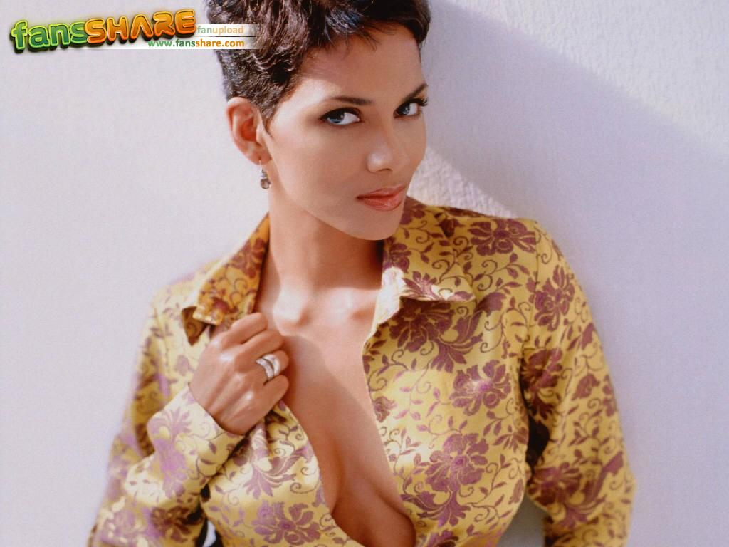 Halle Berry Tattoo Pics