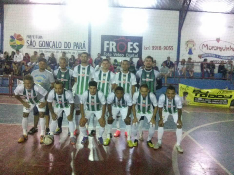 ... a equipe do Dus Preto conhecido também como Farmácia Saúde sagrou-se a equipe  Campeã da Copa Regional de futsal de São Gonçalo do Pará 2015. 6560352af4d7a