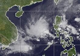Taifunsaison Westpazifik: System 94W (potenziell WASHI) im Südchinesichen Meer zwischen Philippinen und Vietnam, Vietnam, Philippinen, Washi, Satellitenbild Satellitenbilder, Taifunsaison, 2011, Pazifik, aktuell, Vorhersage Forecast Prognose, Verlauf,