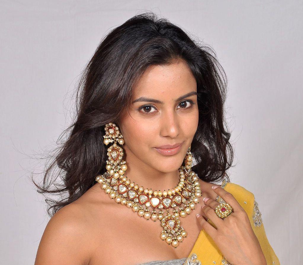 cuity beauty: priya anand