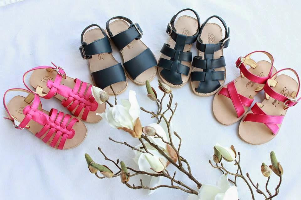 wedding spirit blog mariage chaussure cortege enfants d'honneur ballade sandale de cuir été couleur blanc orange rose bleu turquoise marine camel