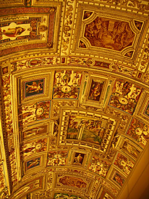 golden celing design at the sistine chapel
