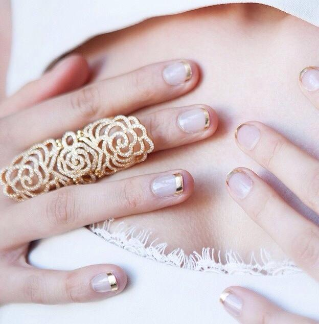 white-gold-nail-french-manicure-weddings