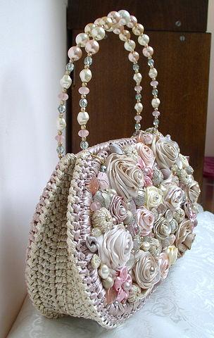 Декор атласными ленточками