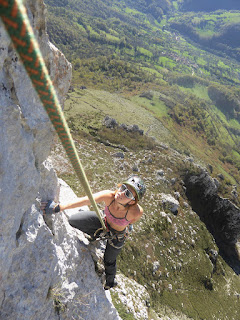 Fatima Gil , escalada en Teverga