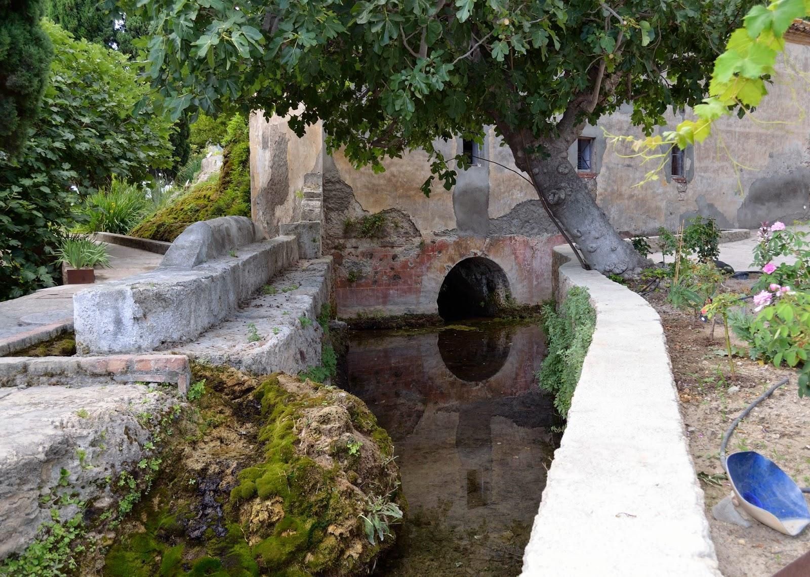 Paseos por la alpujarra historias entre monta as pasos for Jardines nazaries