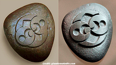 Roswell Rock & Replica - Comparison (The original is on the left)
