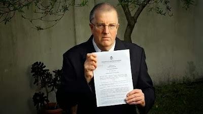 Santa Sé excomunga sacerdote australiano a favor do casamento gay e ordenação de mulheres