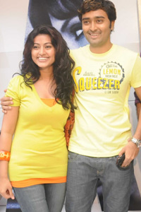 Sneha-Prasanna-hugging-side-by-side
