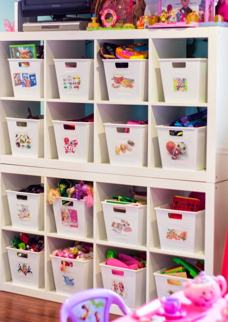 http://clutterbug.me/2013/03/an-organized-playroom.html