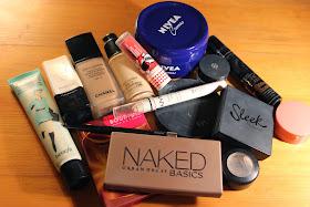 em Ford, meddy ford, blogger, model, my pale skin, mypaleskinblog, glamour model, pale skin, my pale skin, youtube, blogger