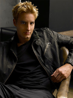 Justin Hartley Hairstyles - Male Celebrity haircut hairstyle Ideas
