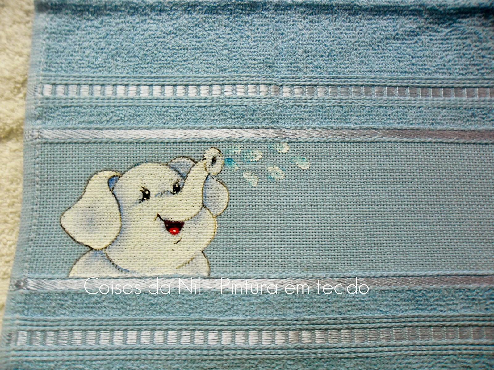 toalha de boca com pintura de elefante