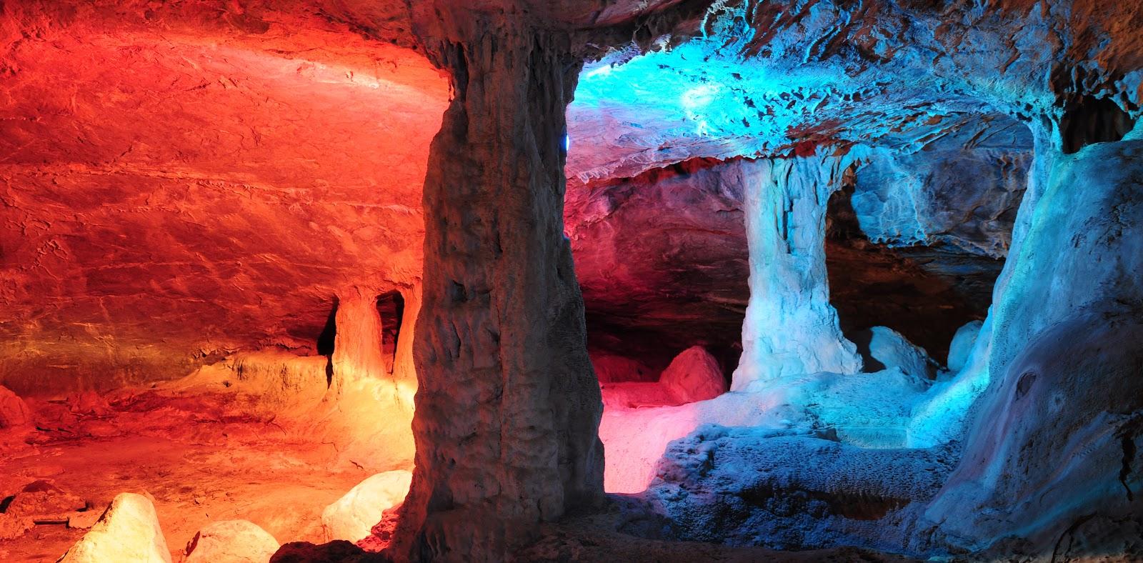 interior de las grutas de la Estrella