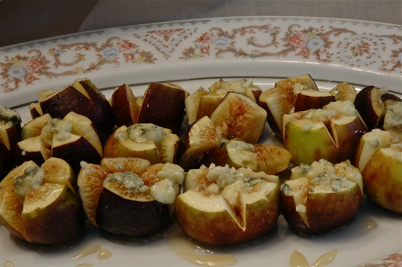 fresh figs with blue cheese and honey recipes dishmaps fresh figs ...