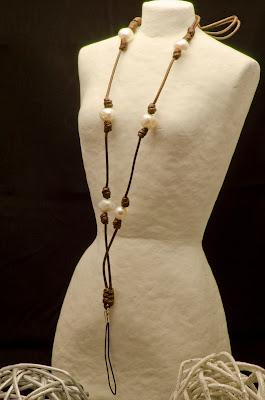 Collar de perlas para el móvil plata artesanal personalizado. Joyería de Plata