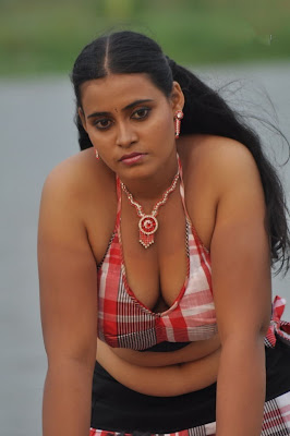 nadodi koottam movie cute stills
