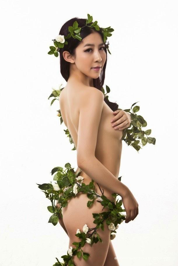 Hoa hậu khỏa thân vì môi trường 2