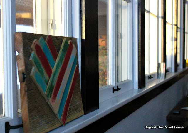 wood shims, heart, barnwood, DIY, easy decor, paint, reclaimed wood, http://bec4-beyondthepicketfence.blogspot.com/2016/01/wood-shim-heart.html