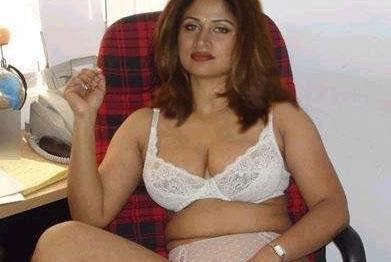 Mallu Aunty Kambi Kadakal Sexy Bikini Pics ~ My 24News and ...