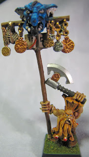 Dwarf Slayer Standard Bearer model