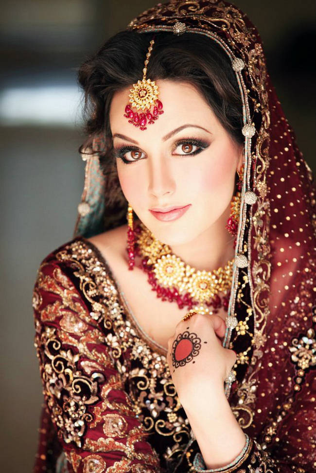 Ayesha Usman Wedding http://dulhaz-dulhanz.blogspot.com/2012/03/aisha-linnea-getting-married-to-shahbaz.html
