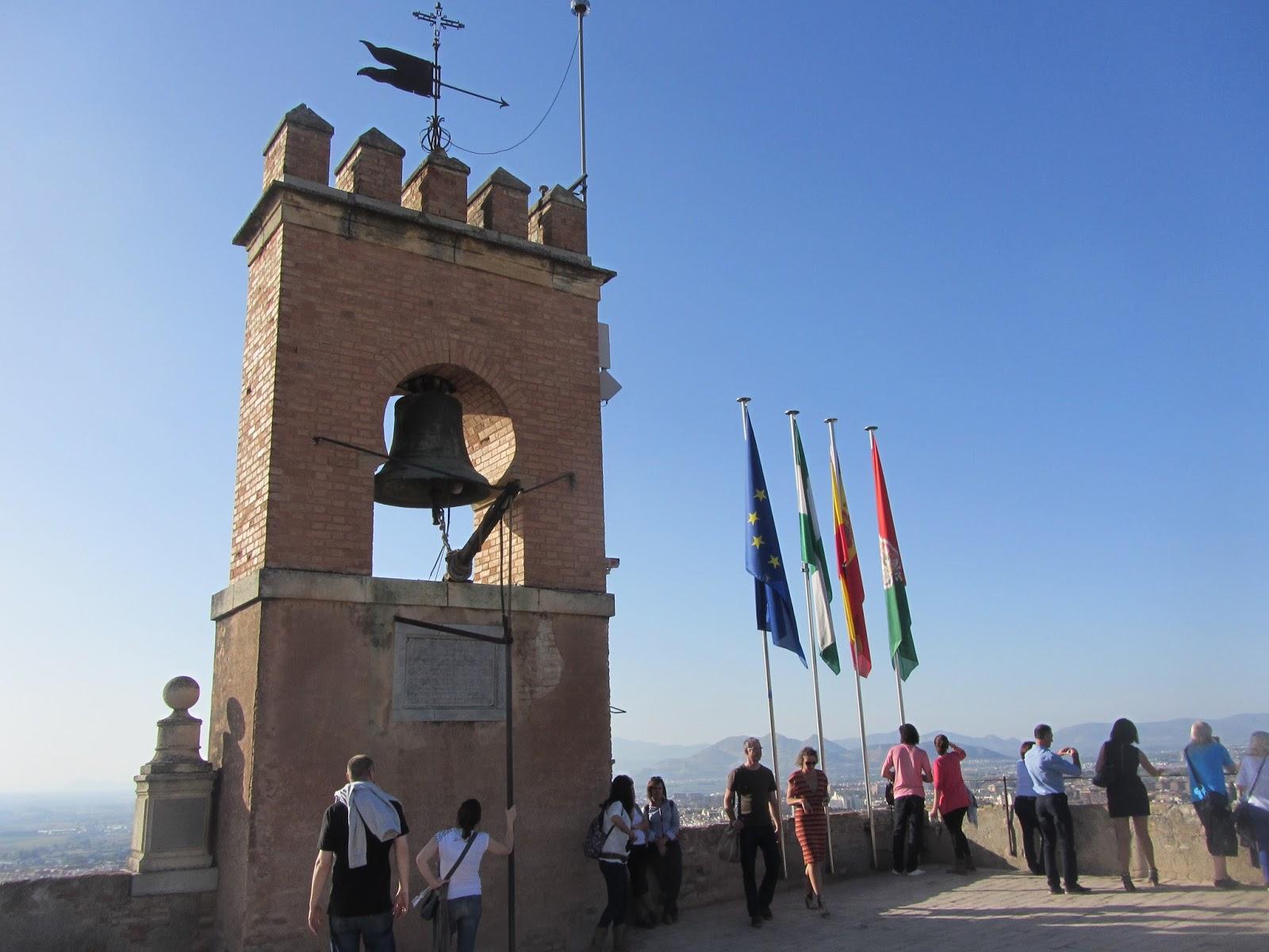 Torre de la Vela, desde la que podrás disfrutar de unas magníficas vistas de Granada.