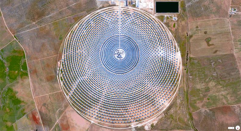 Foto mozzafiato: Spagna: Siviglia - Impianto solare Gemasolar