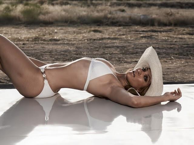 Jennifer Lopez Hot hd wallpapers in Bikini