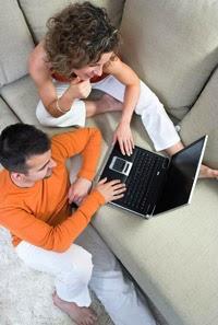 couple using mint.com to create budget