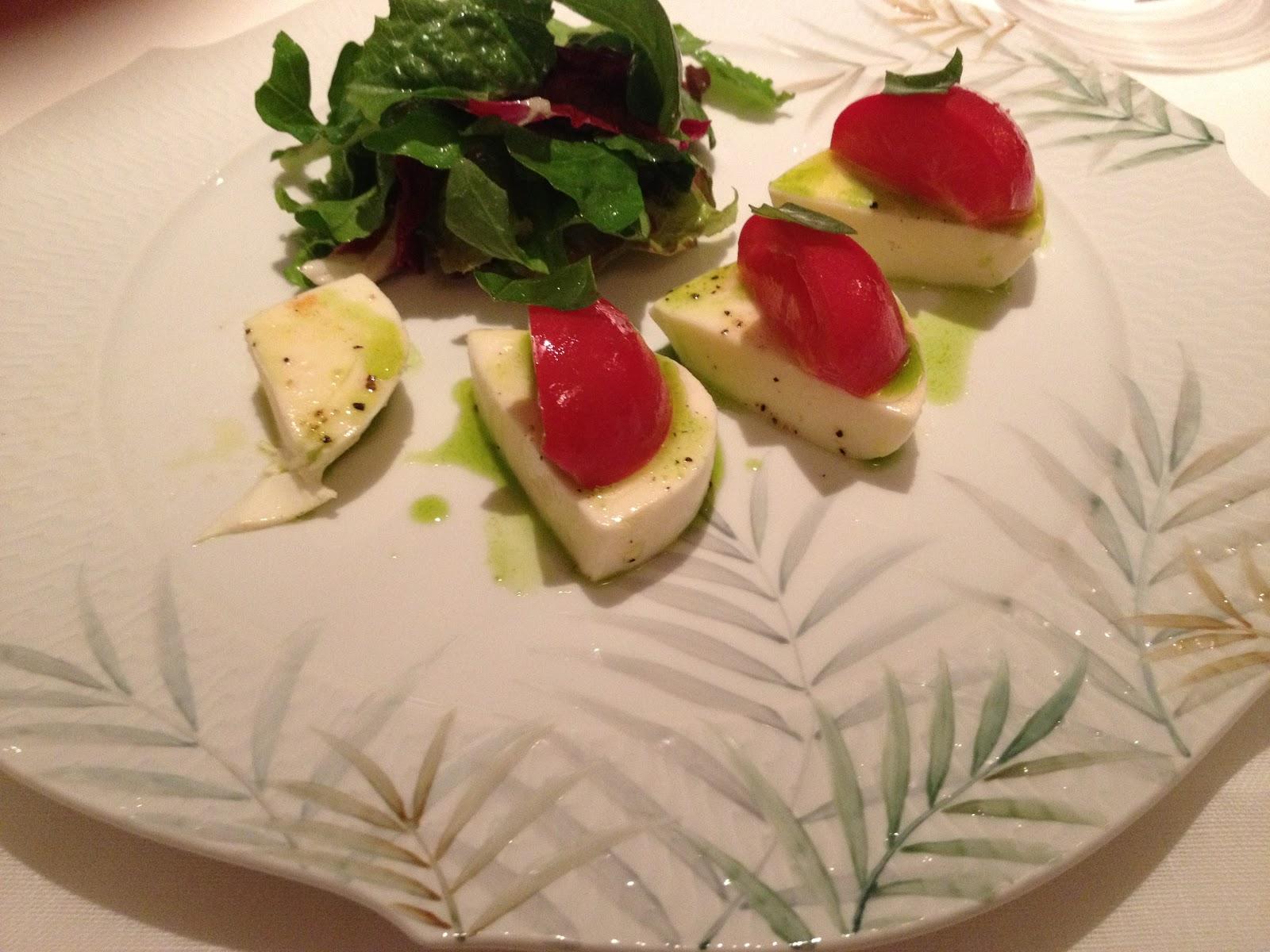 濱崎シェフが出演したNHKの朝イチの番組にお皿がでましたお料理のレシピが載ったページがNHKのホームページにありますので見てください