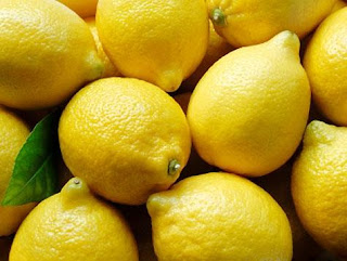 Acne Treatment with Lemon
