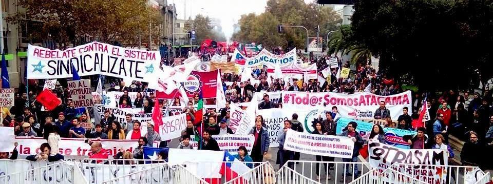 Marcha y Acto no oficialista (CIUS), del 1° de Mayo en Santiago.