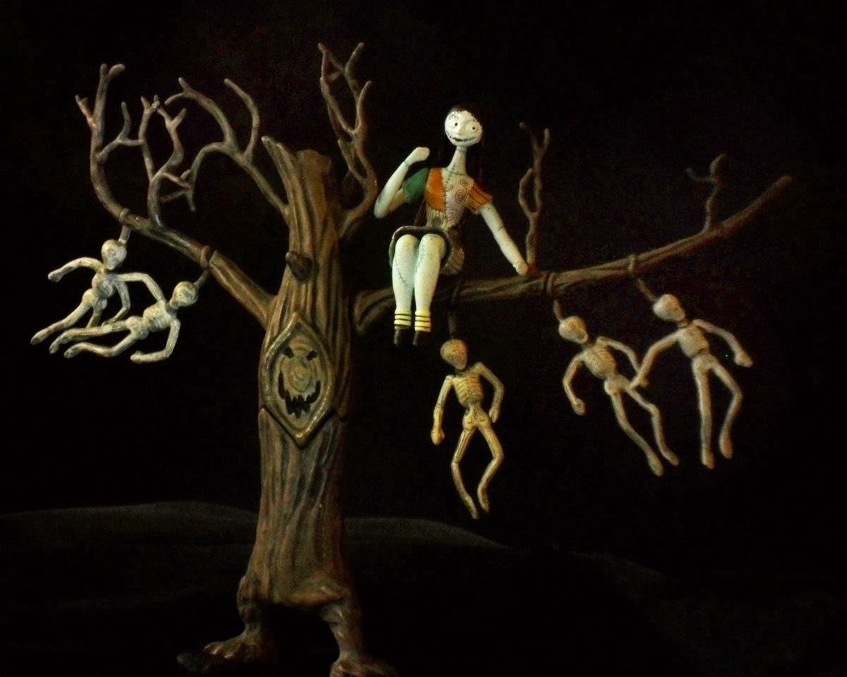 The Nightmare Before Christmas: Sally and the Hanging Tree